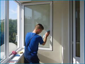 услуги профессионального мытья балконов