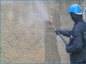 очистка фасадов от следов краски