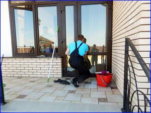 Мытье окон к частном доме